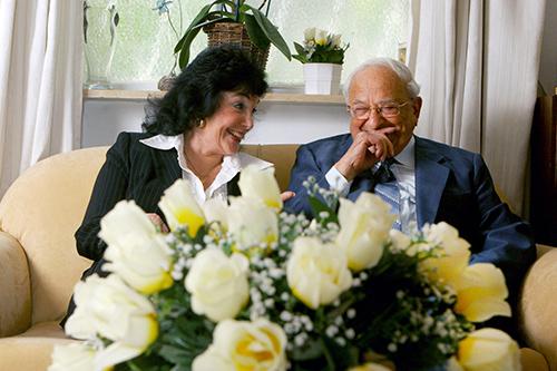 2008 | زواجه من ميري شفير